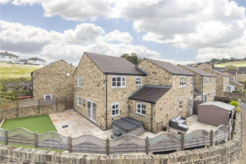 4 Bedrooms Detached House for sale in Merrall Close, Haworth, Keighley, West Yorkshire