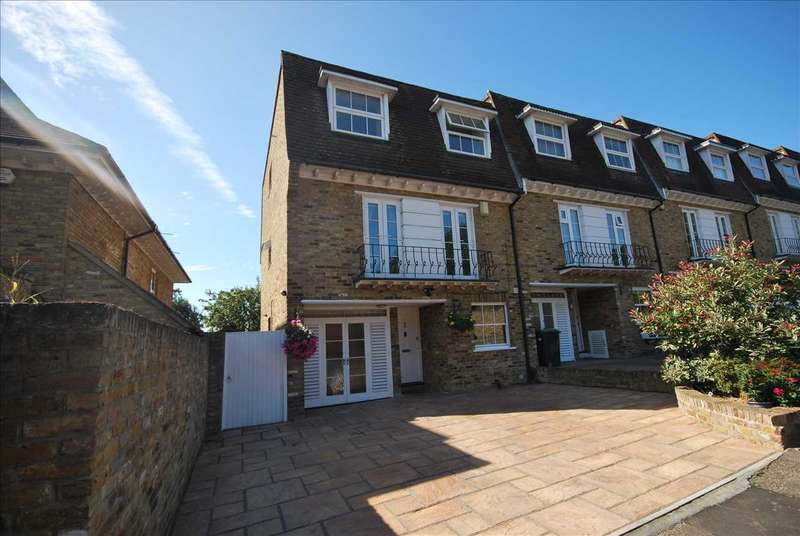 4 Bedrooms End Of Terrace House for sale in High Elms, Chigwell
