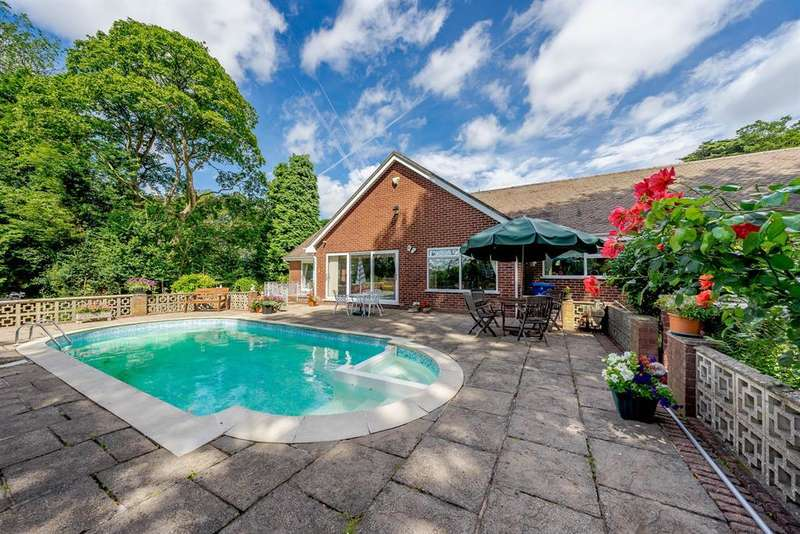 4 Bedrooms Detached Bungalow for sale in Stowe Hill Gardens, Lichfield