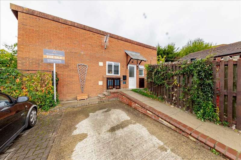 2 Bedrooms Bungalow for sale in Khasiaberry, Walnut Tree, Milton Keynes