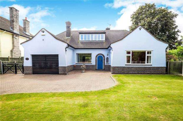3 Bedrooms Detached House for sale in Tarvin Road, Littleton, Chester
