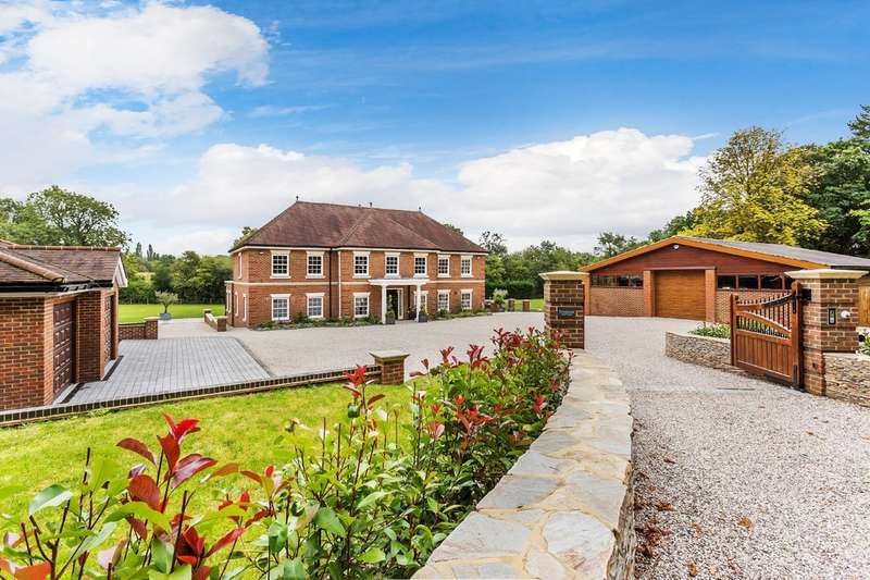 5 Bedrooms Detached House for sale in Barrow Green Road, Oxted