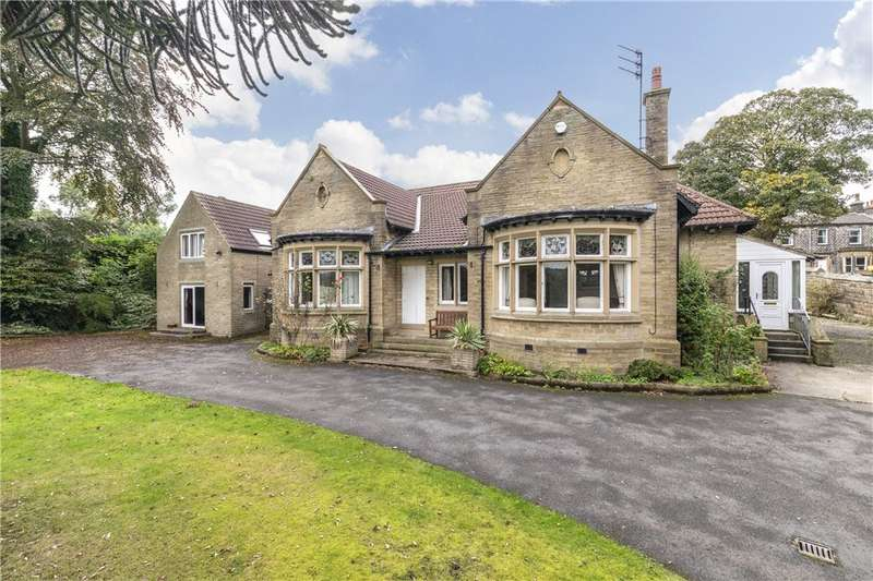 3 Bedrooms Detached Bungalow for sale in Holly Bank, Station Road, Oakworth, Keighley