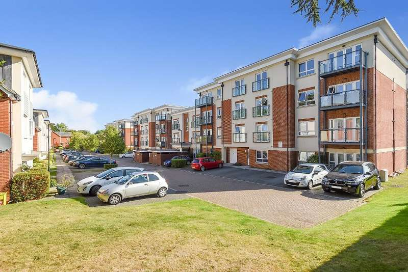 2 Bedrooms Flat for sale in Orchard Grove, Orpington, Kent, BR6 0AT