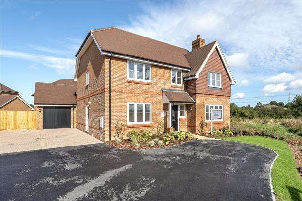 5 Bedrooms Detached House for sale in Centenary Fields, Sherfield Road, Hampshire