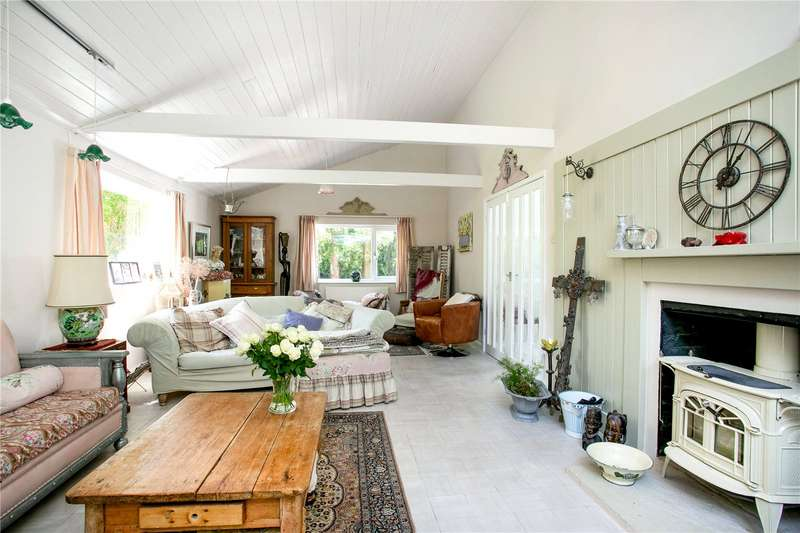 4 Bedrooms Detached House for sale in Hampden Hill, Beaconsfield, Buckinghamshire, HP9