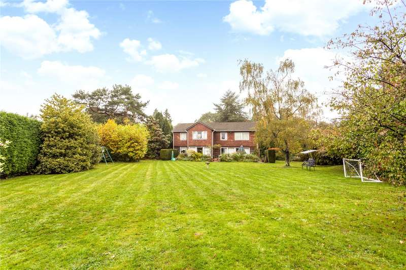 4 Bedrooms Detached House for sale in Ballards Lane, Oxted, Surrey, RH8
