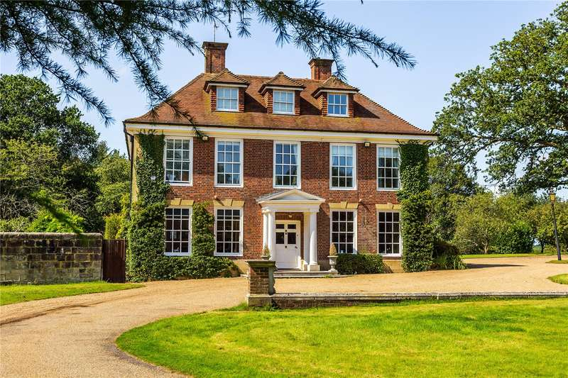 6 Bedrooms Detached House for sale in Snatts Road, Uckfield, East Sussex, TN22