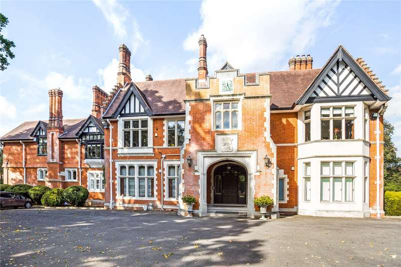 4 Bedrooms Apartment Flat for sale in Chorleywood House, Chorleywood House Drive, Chorleywood, Rickmansworth, WD3