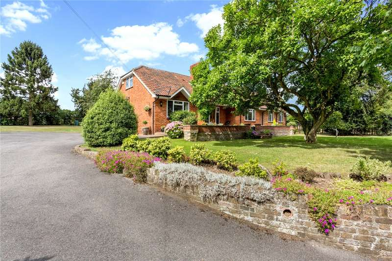 6 Bedrooms Detached House for sale in Court Lane, Burnham, Buckinghamshire, SL1