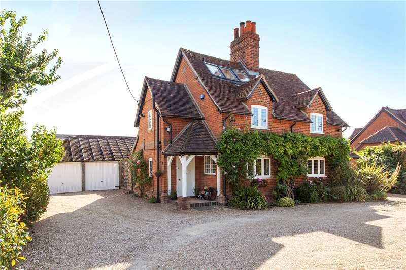 4 Bedrooms Detached House for sale in Wokingham Road, Hurst, Berkshire, RG10