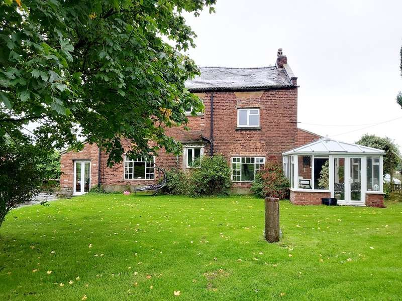 4 Bedrooms Detached House for sale in Lyme Park