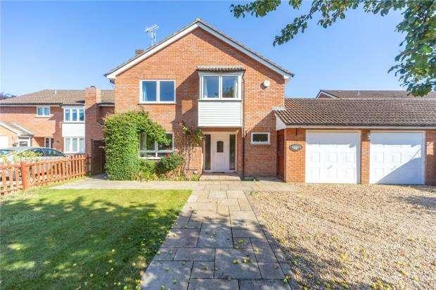 4 Bedrooms Link Detached House for sale in River Road, Caversham, Reading