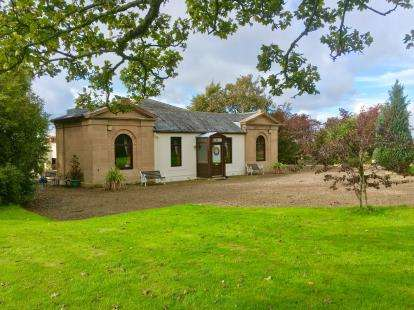 5 Bedrooms Detached House for sale in Fairlie, Largs