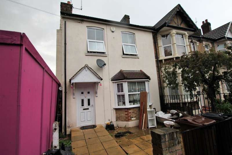 3 Bedrooms End Of Terrace House for sale in Church Street, Dagenham, Essex, RM10 9XA