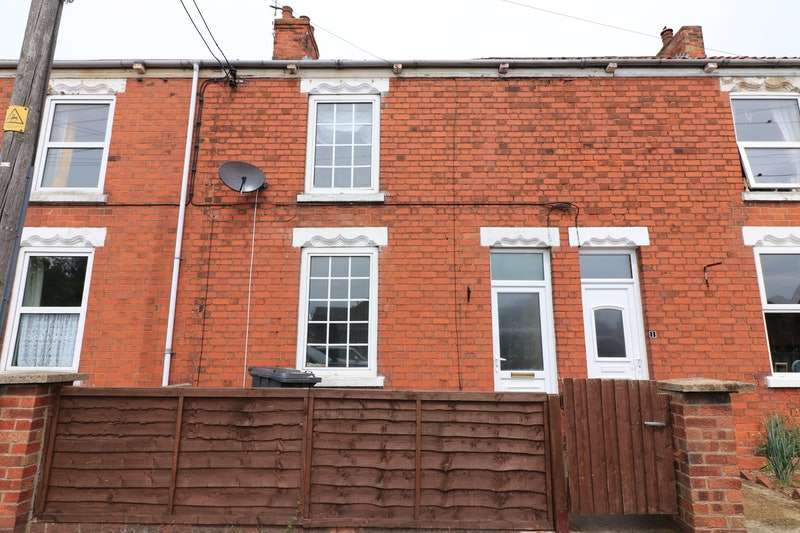 3 Bedrooms Terraced House for sale in School Lane, New Holland, Lincolnshire, DN19