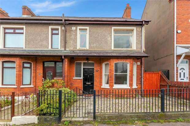 2 Bedrooms Semi Detached House for sale in Springfield Parade, Belfast, County Antrim