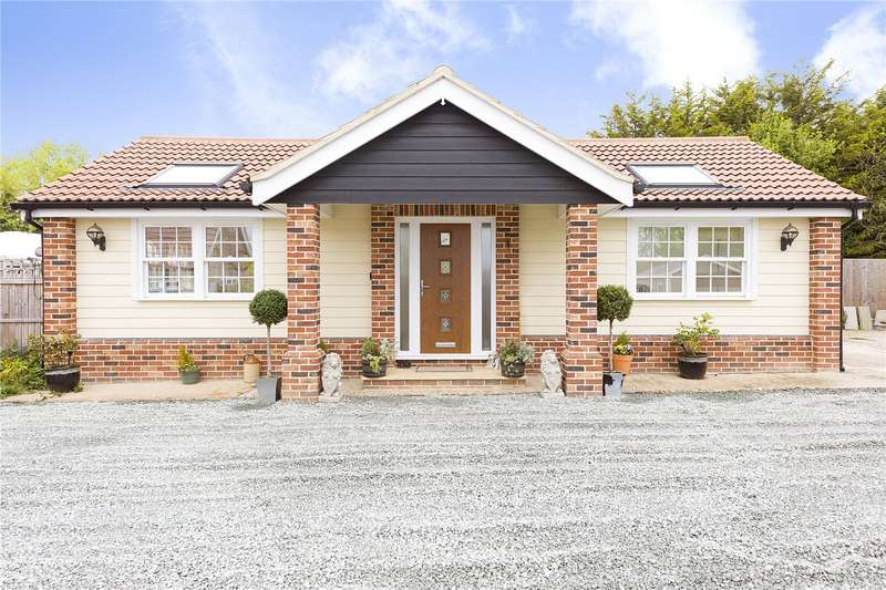 2 Bedrooms Detached Bungalow for sale in Kirkham Road, Horndon-on-the-Hill, Essex, SS17