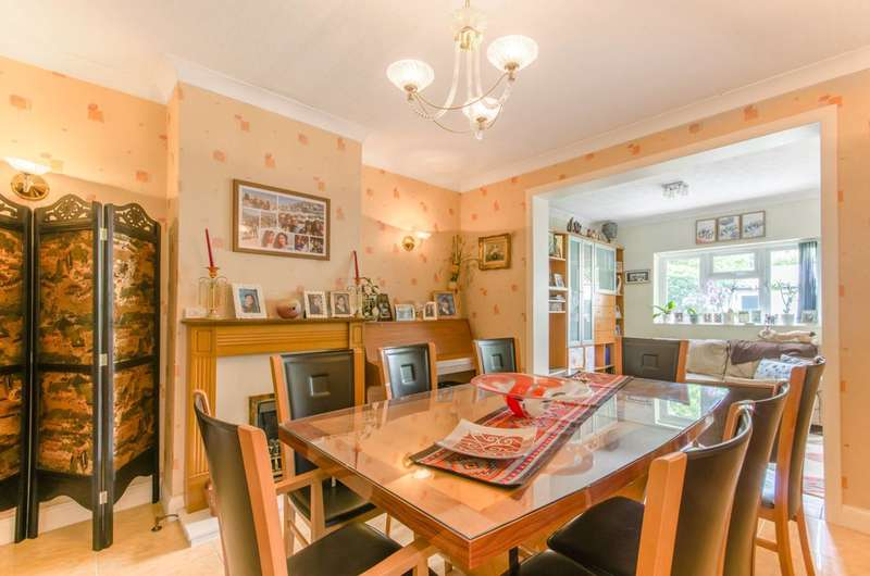 5 Bedrooms Semi Detached House for sale in Osborn Gardens, Mill Hill, NW7