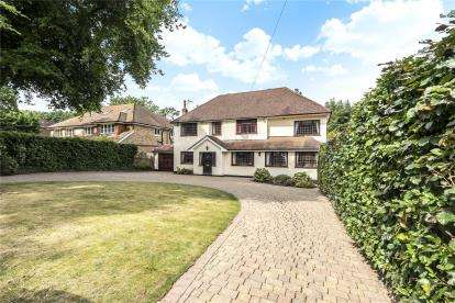 6 Bedrooms Detached House for sale in Homestead Road, Chelsfield Park, Kent