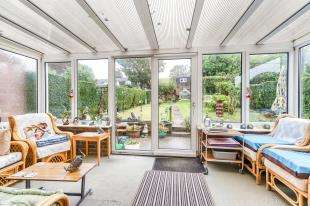 2 Bedrooms Semi Detached House for sale in Manor Road, Upper Beeding, Steyning, West Sussex