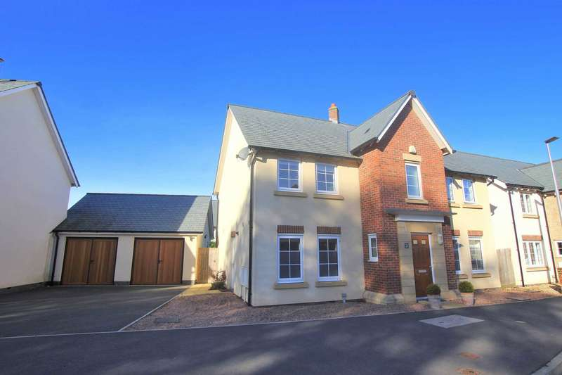 4 Bedrooms Detached House for sale in Barracks Road, Fremington