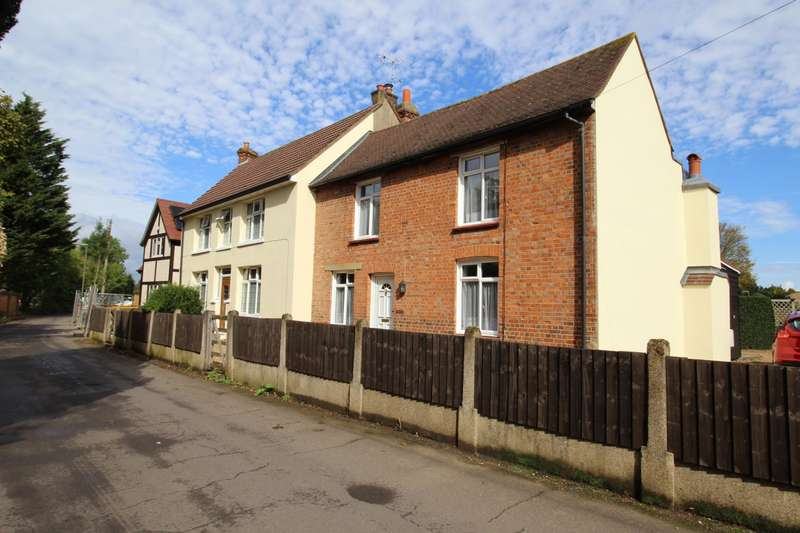 3 Bedrooms Semi Detached House for sale in Rosemary Lane, Thorpe, Egham, Surrey, TW20
