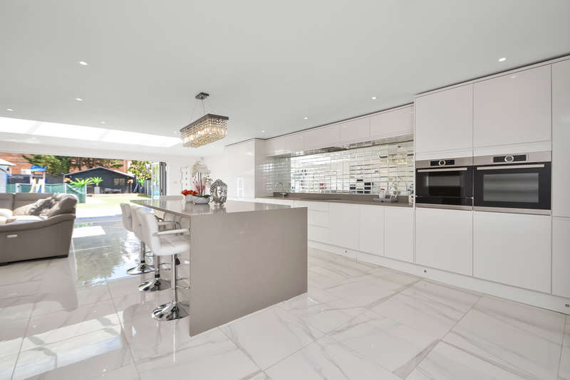 5 Bedrooms Detached House for sale in Waterlooville, Hampshire