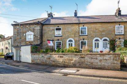 2 Bedrooms Terraced House for sale in West End, Stokesley, North Yorkshire