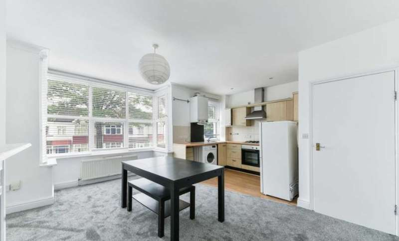 3 Bedrooms Flat for rent in Northfield Ave, Ealing