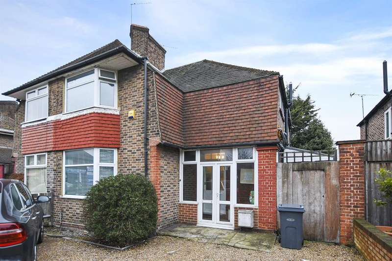 3 Bedrooms Semi Detached House for sale in Old Oak Road, London