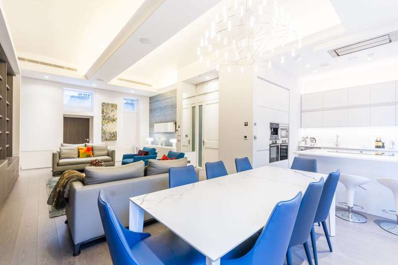 2 Bedrooms Penthouse Flat for rent in Whitehall, St James's, SW1A