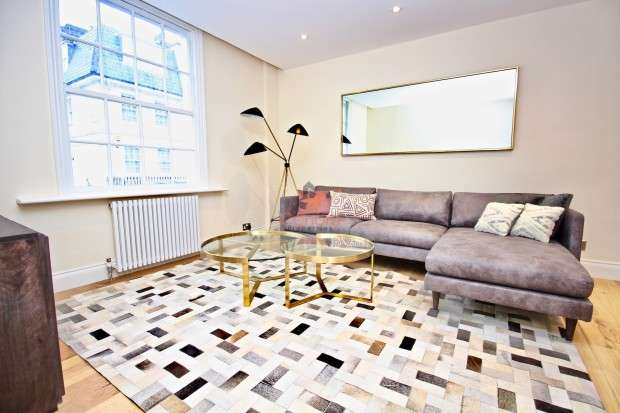 3 Bedrooms Terraced House for rent in Montpelier Place, Knightsbridge, SW7