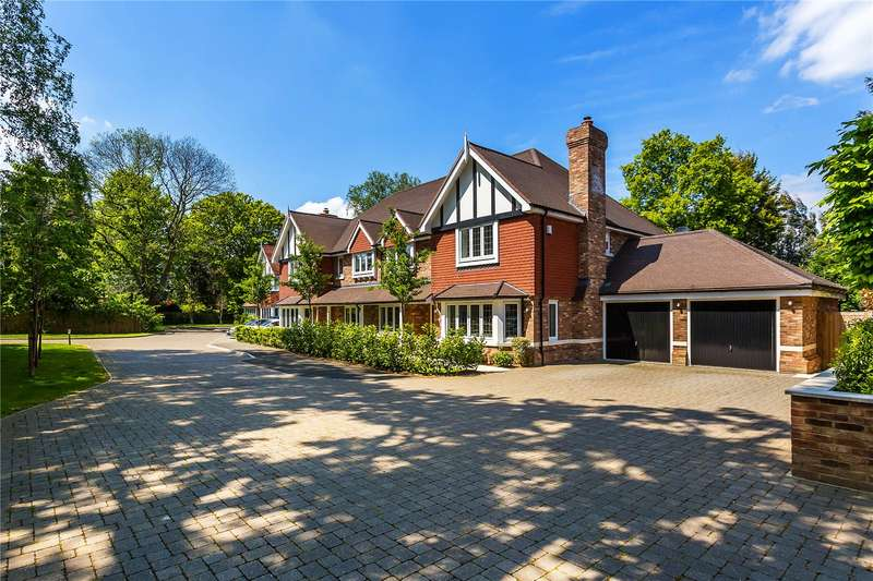 4 Bedrooms Semi Detached House for sale in Marshall Close, Chaldon, Surrey, CR3
