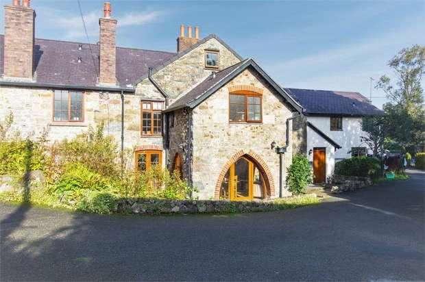 2 Bedrooms Semi Detached House for sale in Treborth, Treborth, Bangor, Gwynedd