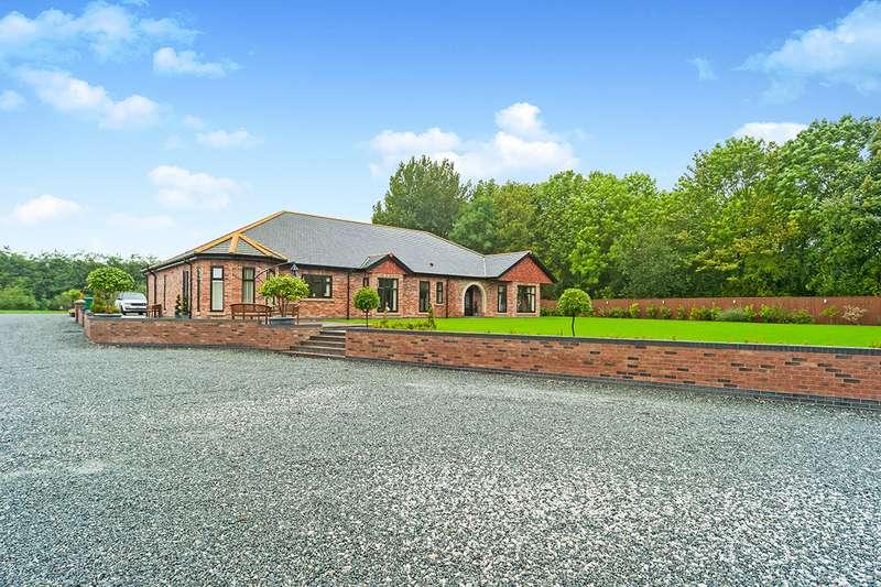 4 Bedrooms Detached Bungalow for sale in Landing Lane, Gilberdyke, Brough, East Riding of Yorkshi, HU15