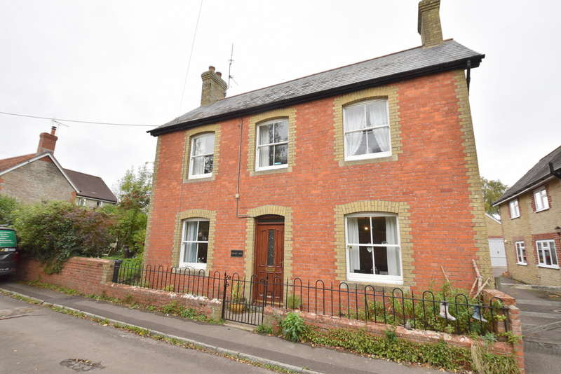 3 Bedrooms Detached House for sale in Rosemary House