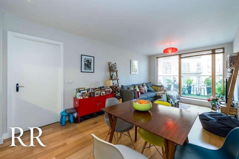 2 Bedrooms Flat for sale in Crampton Street, London, SE17