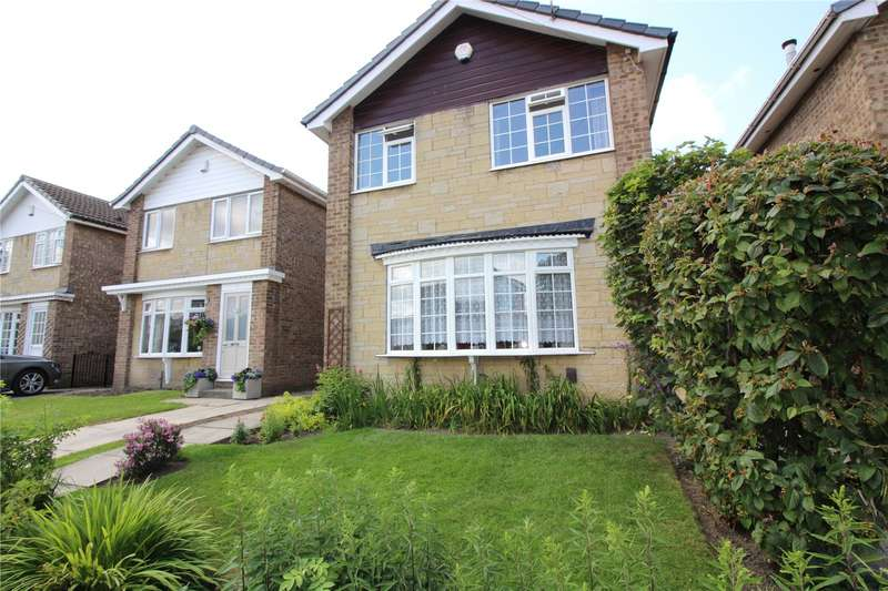 3 Bedrooms Detached House for sale in Lawns Green, Leeds, West Yorkshire