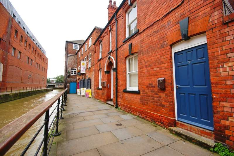 2 Bedrooms Apartment Flat for rent in The Glory Hole, Lincoln, LN2