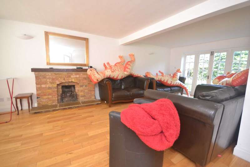 7 Bedrooms Detached House for rent in Lacewood Gardens, Whitley, Reading