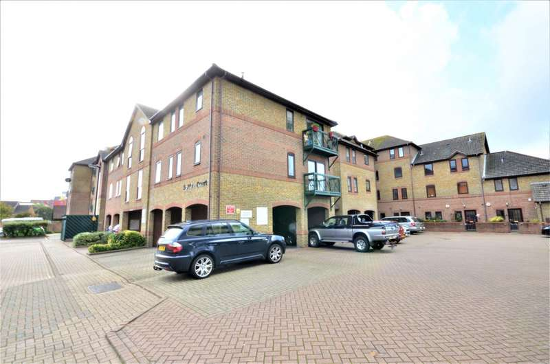 2 Bedrooms Flat for sale in Spitfire Court, Southampton, SO19