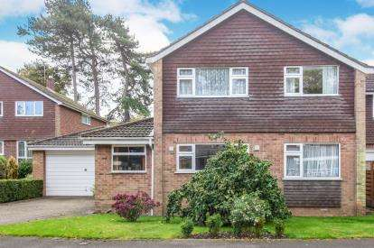 4 Bedrooms Detached House for sale in St. Michaels Close, Ashby-De-La-Zouch, Leicestershire