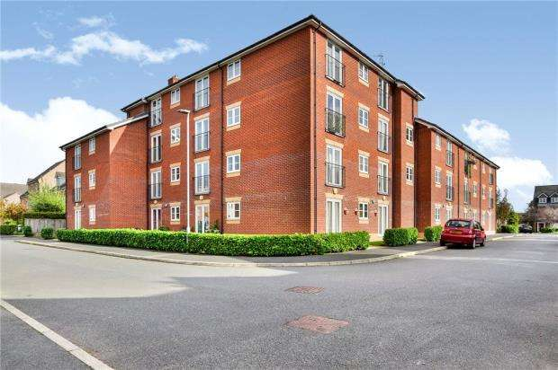 2 Bedrooms Apartment Flat for sale in Lawnhurst Avenue, Wythenshawe, Manchester