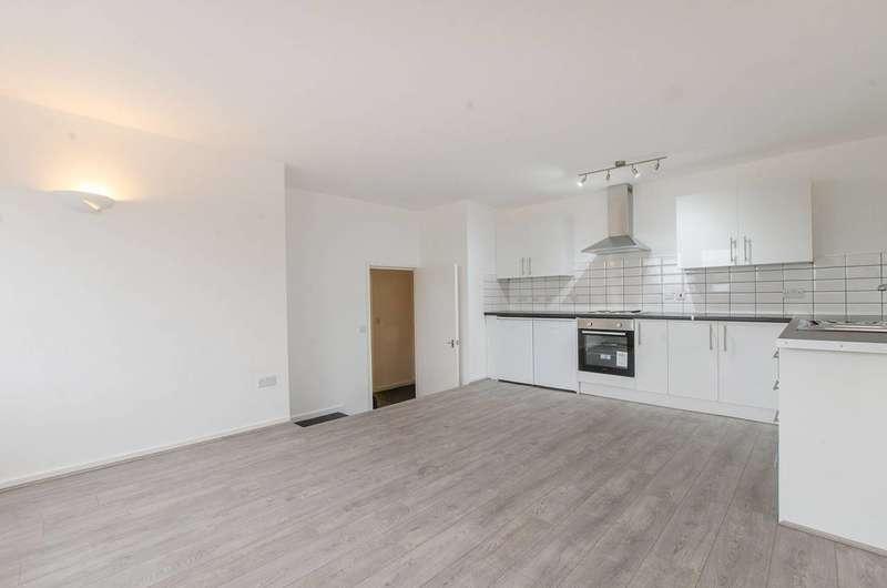 2 Bedrooms Flat for rent in Calderwood Street, Woolwich, SE18