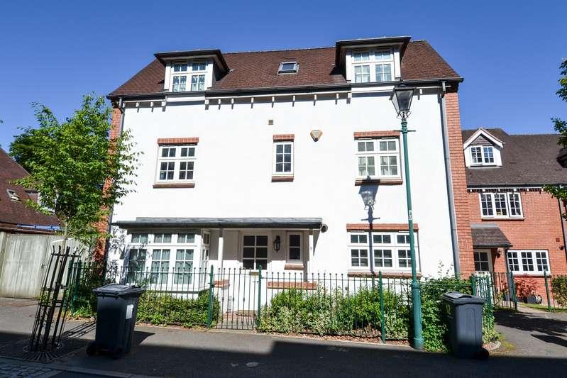4 Bedrooms Detached House for sale in Woodbrooke Grove, Northfield, Birmingham, B31