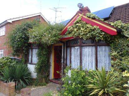 2 Bedrooms Bungalow for sale in Tavistock Street, Bletchley, Milton Keynes, Buckinghamhsire