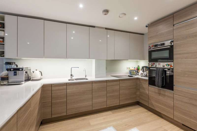 4 Bedrooms House for sale in Mary Rose Square, Deptford, SE16