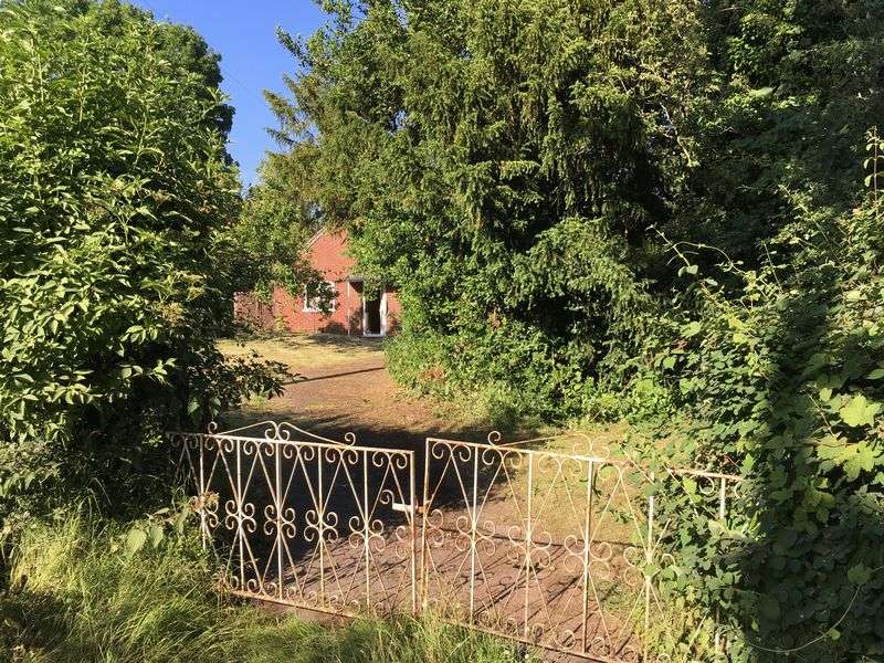 Property for sale in Plantation Lane, Himley