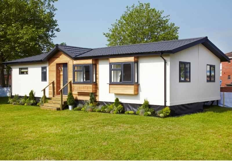 2 Bedrooms Detached Bungalow for sale in Ainmoor Grange, Mickley Lane, Stretton, Alfreton